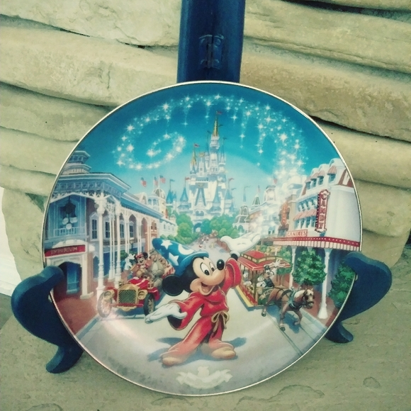 Collectible plate Bradford exchange Disney